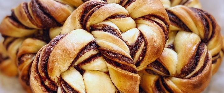 Nutella Brioche Knots